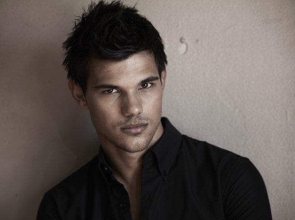 """Nouvelles photos de Taylor Lautner de son shoot """" total film magazine """""""