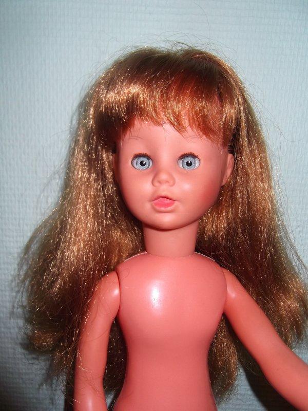 poupée inconnue