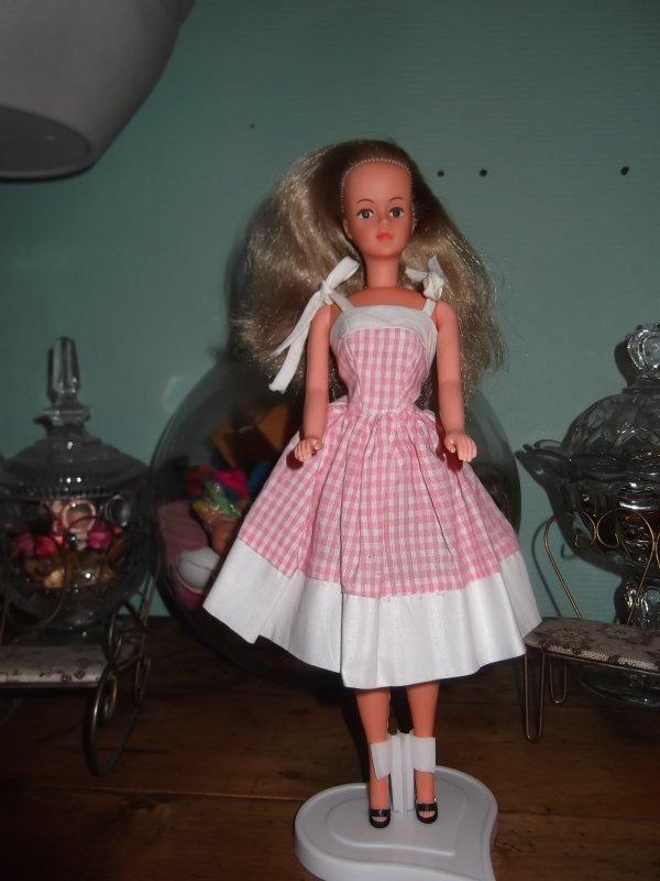 Miss Helen s'habille en BB