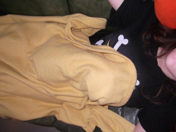 Dickens a trouvé Claude très confortable pour dormir.
