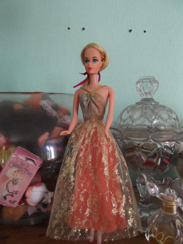 Barbie Partytime de 76/77 en tenue