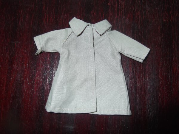 Tenue Microbe, le manteau Mars 1979