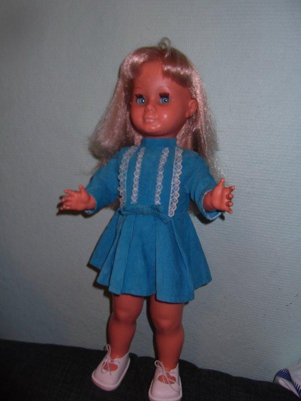 Héléna a reçu sa robe