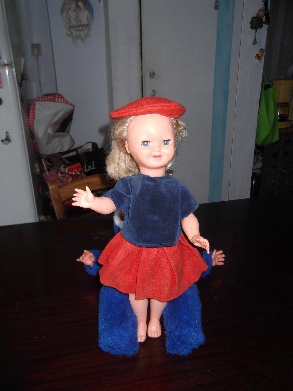 Vente de poupées pour Martine: contact sur la messagerie perso