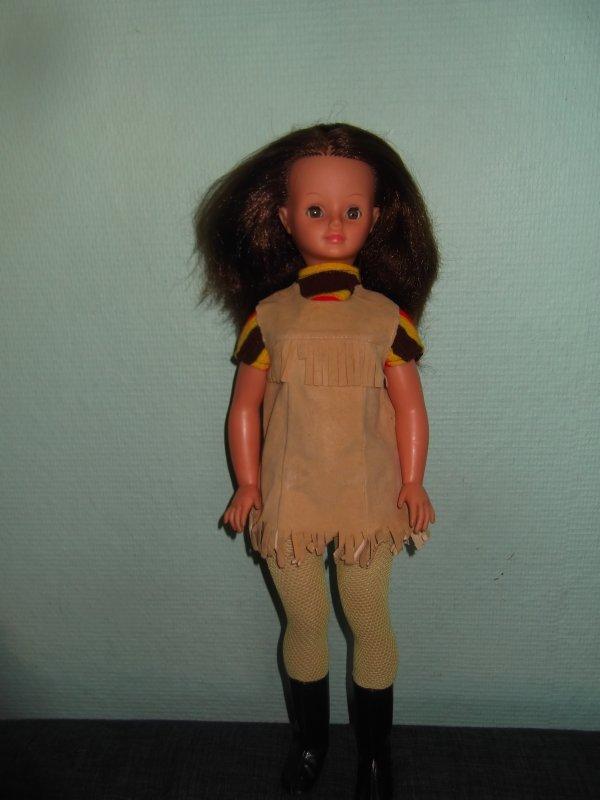 1972, j'ai ma Microbe, ma Solarianne et plein de poupées Bella petites filles pour jouer, dînettes...