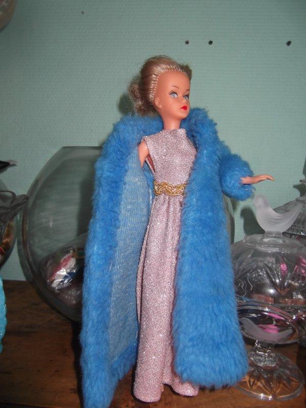 Versailles 1977, en version bleue et rose
