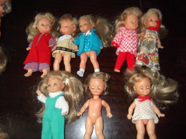 A échanger, une Microbe habillée et chaussée contre une Tressy en état correct. (dolls)