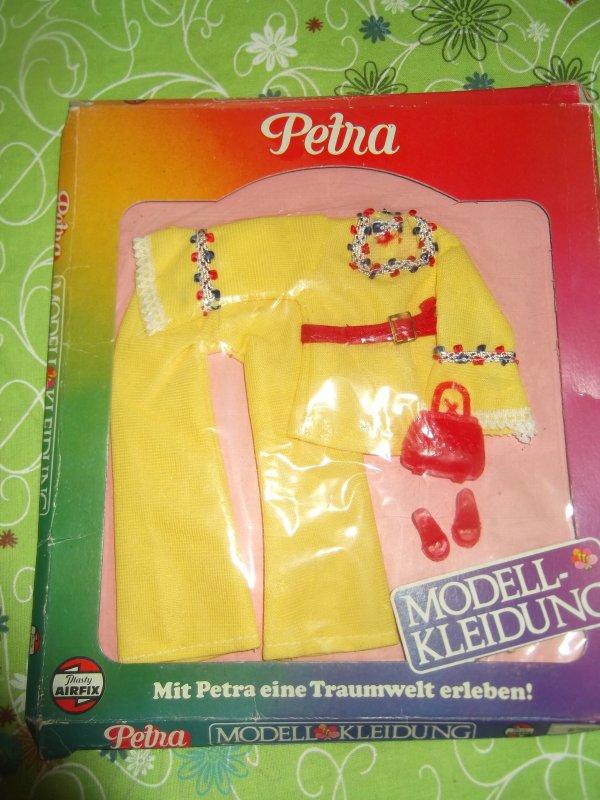 Tenue Petra en boîte 1978 n°5701 série catalogue