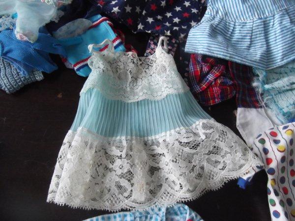 D'autres petites tenues bleues...
