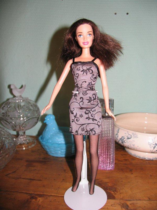 Barbie chic 2004 en tenue Barbie