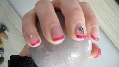 pose d' ongle en gel rose