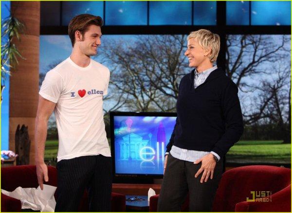 Alex Pettyfer au Ellen show