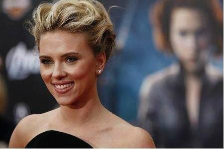 Scarlett Johansson dans la ville lumière