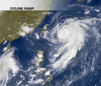 Alerte au typhon Fanapi sur Taïwan et l'Est de la Chine.