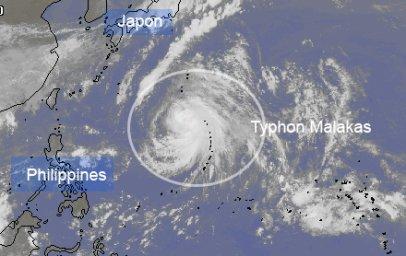 Nouveau typhon Malakas dans l'océan Pacifique Nord-Ouest.