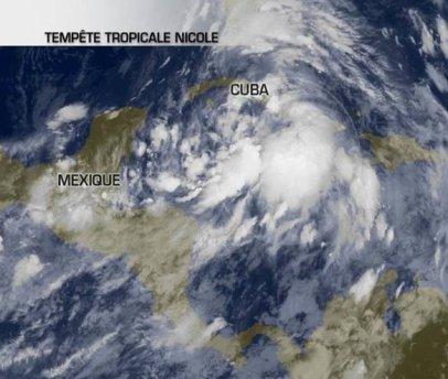 Une tempête tropicale touche Cuba.