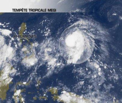 La  tempête tropicale Megi est passée en typhon de catégorie 2.