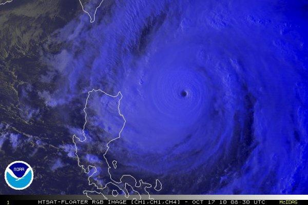 Megi devient un super typhon de catégorie 5 et  une grave menace pour les Philippines !