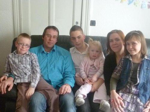 MA FAMILLE ... PHOTO PRISE LE 4.03.2012