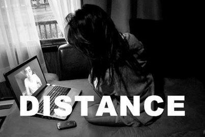 La distance ne veut rien dire si les deux coeurs sont fidèles.