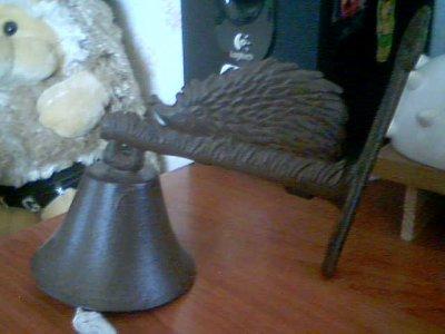 une cloche niglo que mon beau frère Jessy ma offert