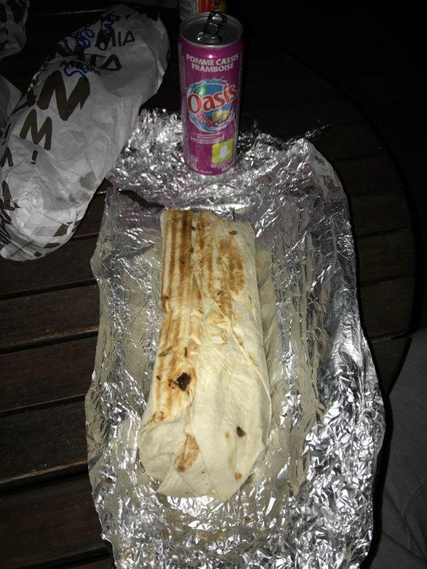 Un Maxi Kebab , hum trop bon.