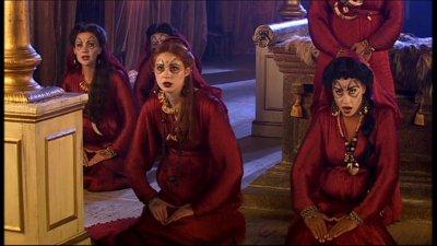 "Karen Gillan dans ""Doctor Who"" (2008)"