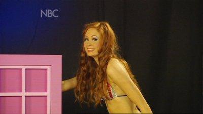 "Karen Gillan dans ""The Kevin Bishop Show"" (2008)"