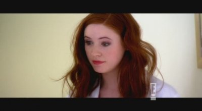 "Karen Gillan dans ""The Kevin Bishop Show"" (2009)"