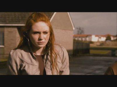 """Karen Gillan dans """"Outcast"""" (2010)"""