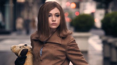 """Karen Gillan dans """"A nous Manhattan"""" (2012)"""