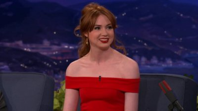 Karen Gillan Interview en 2012