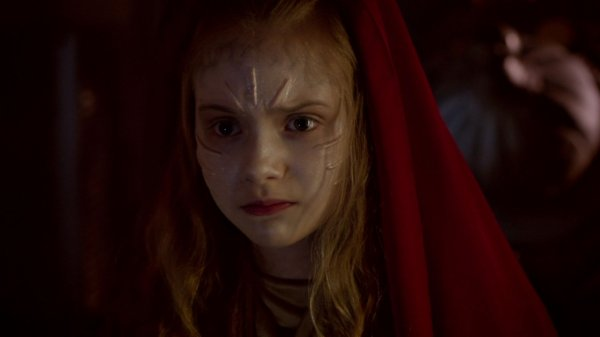 "Emilia Jones dans ""Doctor Who"" (2013)"