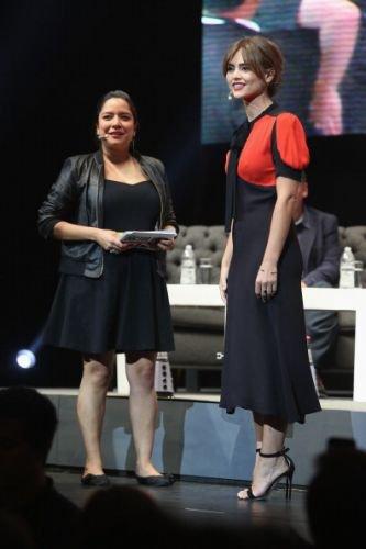 Jenna Coleman à un Fan Meeting à la première de Mexico le 17 août