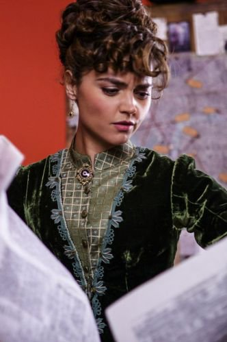"Jenna Coleman Nouveau Stills de ""Deep Breath"""