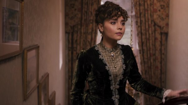 "Jenna Coleman ""Deep Breath"" Screencaptures"