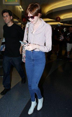 Karen Gillan à l'aéroport de LA le 24 août
