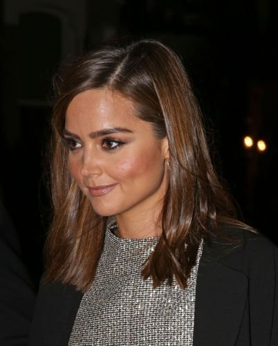 Jenna Coleman quittant les GQ Men of the Years Awards 2014 le 2 septembre