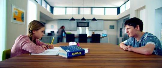 """Emilia Jones Nouvelle Image de """"What we did on our holiday"""" et de """"Utopia"""""""