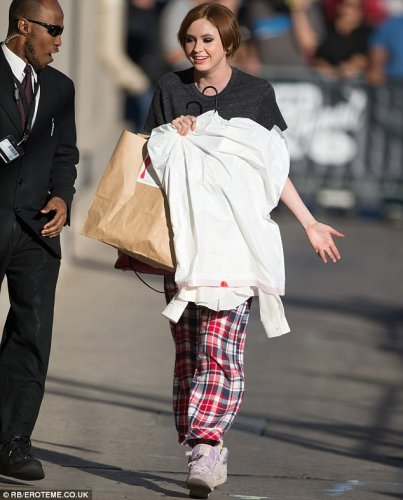 Karen Gillan arrivant aux studios Jimmy Kimmel Live le 6 octobre