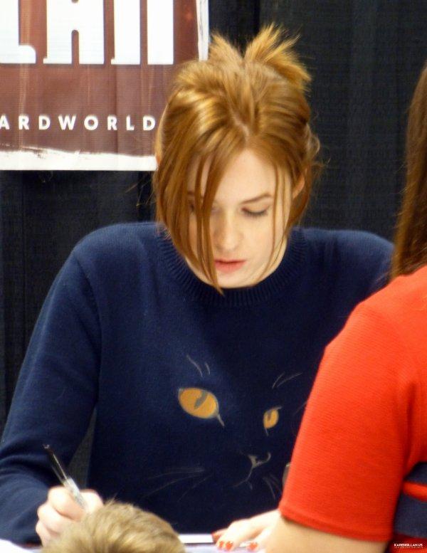 Karen Gillan au Cleveland Comic Con le 21 février 2015