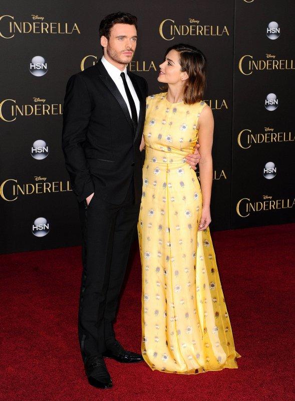 Jenna Coleman et Karen Gillan à la Première de Cinderella à Los Angeles le 1er mars
