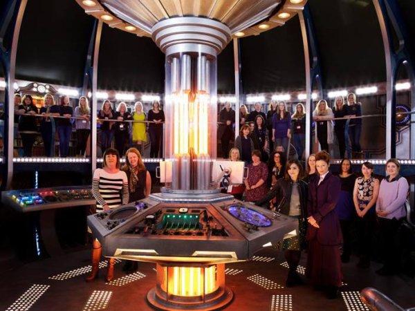 Jenna Coleman sur le tournage de la saison 9 de Doctor Who le 8 mars