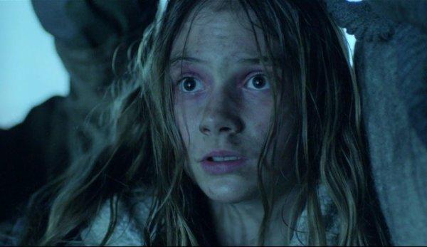 """Emilia Jones: Nouvelles images de """"Residue"""""""