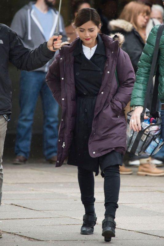Jenna Coleman sur le tournage de la saison 9 de Doctor Who le 8 mai à Cardiff
