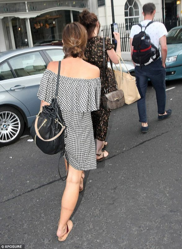 Jenna Coleman quittant Chiltern Firehouse le 4 juillet 2015