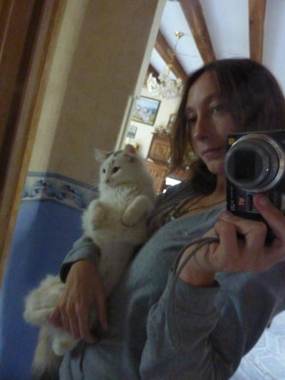 Parce que sans eux chui rien : mon chat =)