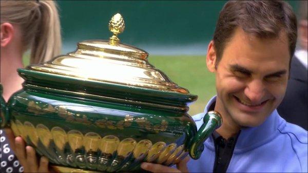 Roger Federer impérial en finale du tournoi de Halle face à Alexander Zverev