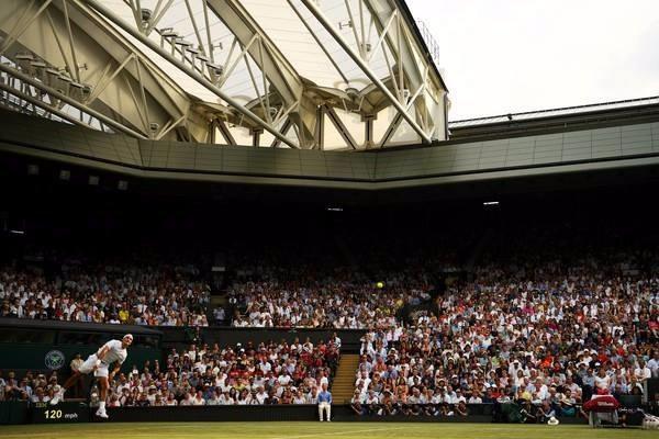 Roger Federer élimine Mischa Zverev et se qualifie pour les huitièmes de finale à Wimbledon