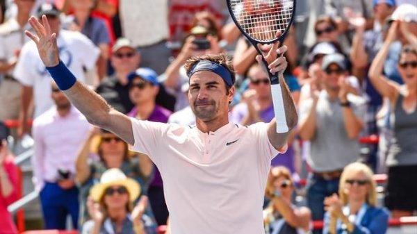 Roger Federer, un peu plus proche de la première place mondiale après l'élimination de Rafael Nadal